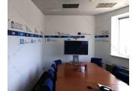 Оформление офиса - таблички для кабинетов и навигации, виниловые наклейки и интерьерная печать