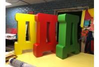 Напольные буквы из пластика